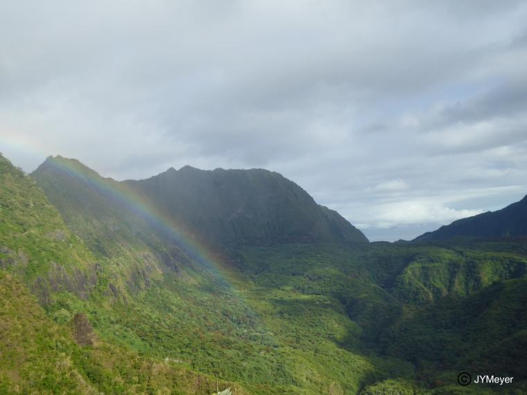 Tahiti-Maraetia-27 mai 2017-plateaux & arc en ciel (JYM).JPG